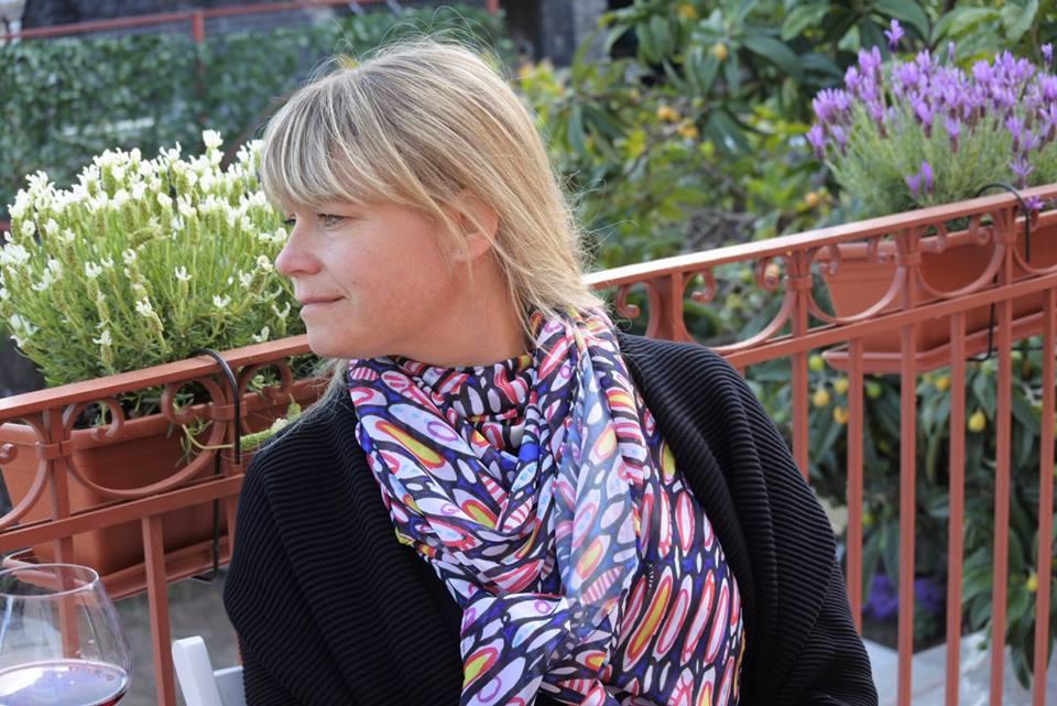 annaBeatufifulin scarf